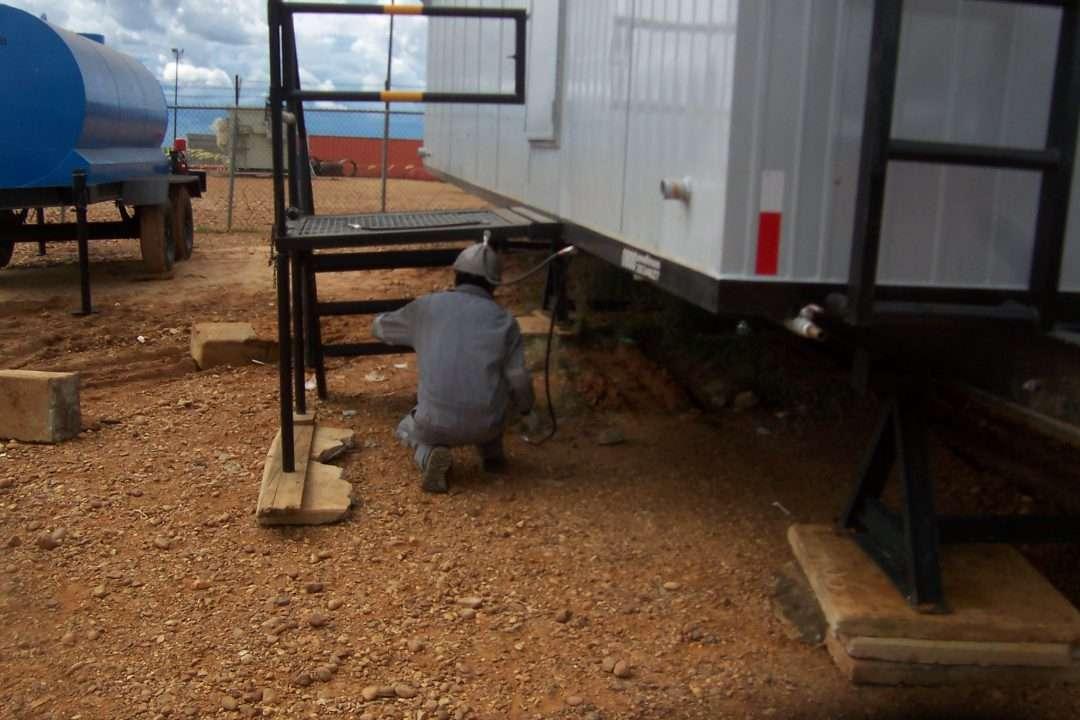 Reparación y mantenimiento en campo